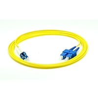 2m LC/UPC-SC/UPC デュプレックス シングルモード 光パッチケーブル(3.0mm PVC/OFNR 9/125)の画像